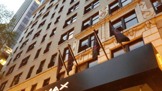 Hotel Max: L'entrée
