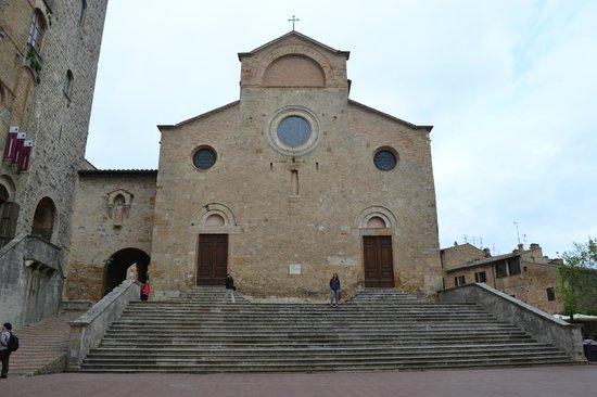 Collegiata di Santa Maria Assunta - Duomo di San Gimignano: Vista externa da Igreja