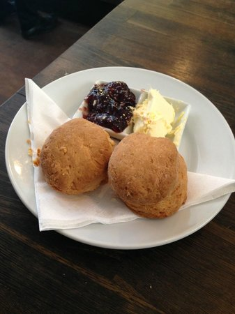 Bea's of Bloomsbury - Bloomsbury : The tiny scones!