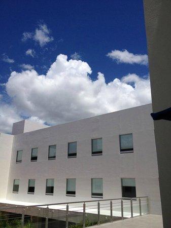 One Playa Del Carmen: Vista desde el corredor...