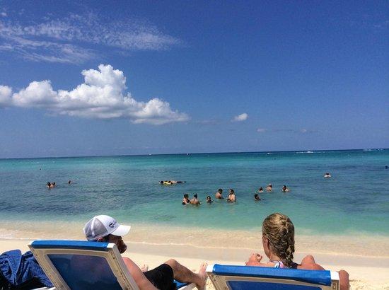 Surfside Beach Restaurant & Bar: Beach Area