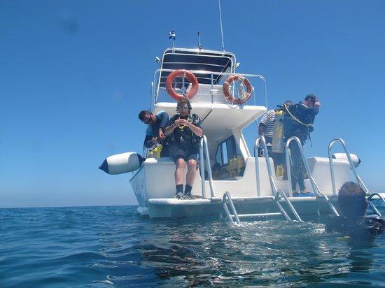 Centre de plongee, Marina Gaviota a Cayo Santa Maria : Con ayuda !!!
