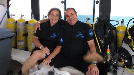 Centre de plongee, Marina Gaviota a Cayo Santa Maria : Ale y Mariam felices después de bucear !!!