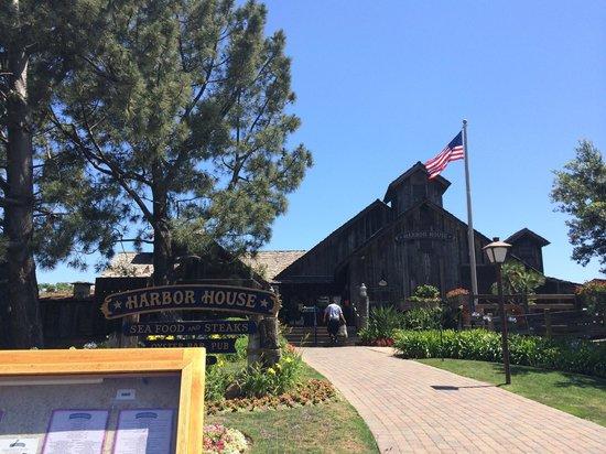 Harbor House Restaurant : 外観