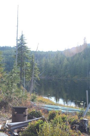 The Sunshine Coast Trail - Day Tours: Elk Lake
