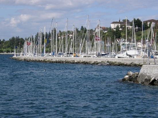 Lac Léman (Lac de Genève) : petitort côté suisse