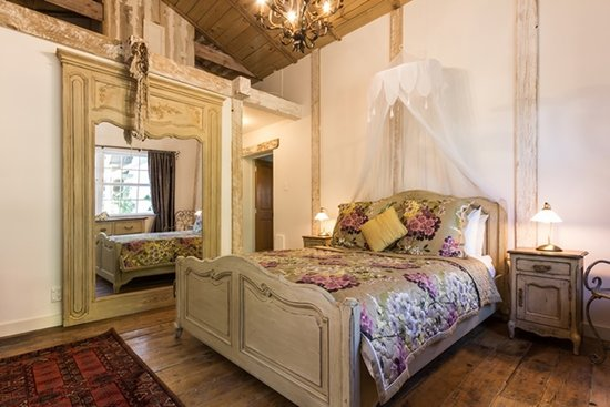 Marlborough Bed & Breakfast: Adelaide's Barn bedroom