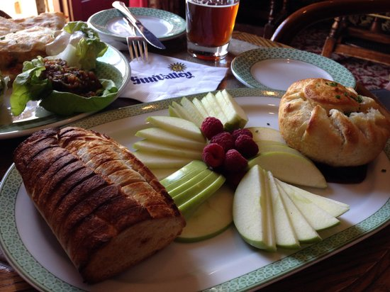 Sun Valley Lodge : Great bar food