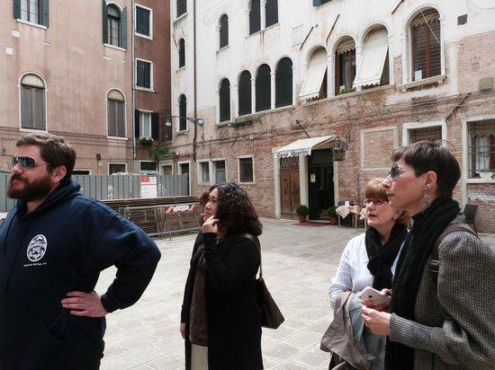 Locanda Casa Querini : piazza outside the hotel