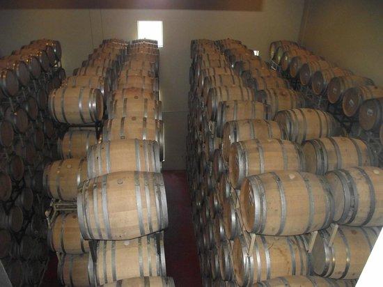 Sterling Vineyards : Lots of wine