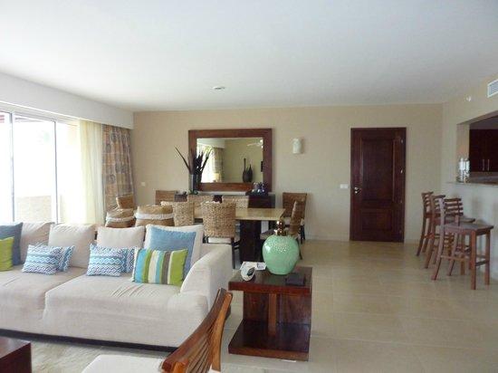 Secrets Royal Beach Punta Cana: living room