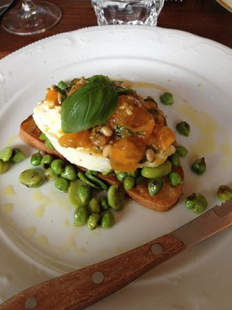 Nora Gray : charred chick peas, fava beans and buratta on crostini