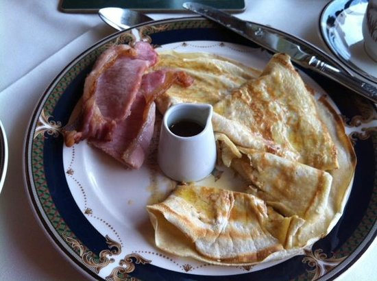 Friars Glen: ordered crepes/pancakes one morning with bacon, yummy