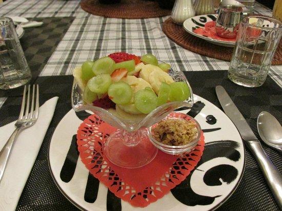 Spongie Acres Bed and Breakfast: Yummy fruit and yogurt parfait!