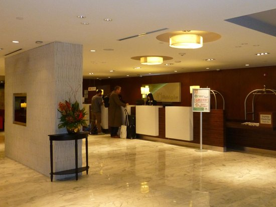 Holiday Inn Toronto Downtown Centre: Lobby
