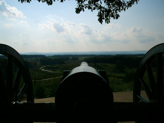 Gettysburg National Military Park: Looking Down Cannon