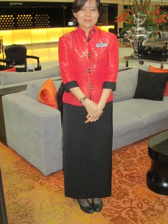 Concorde Hotel Singapore: Staff Uniforms are a pleasure to see.