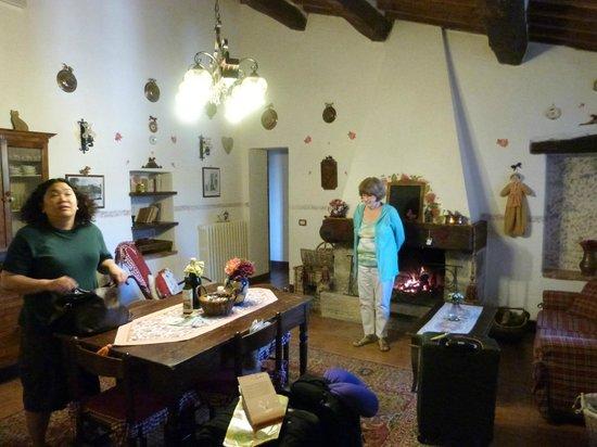 Aia Vecchia di Montalceto : living area apartment Chiara