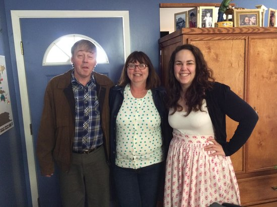 Glacier Park Bed and Breakfast: Robyn returns with Colleen and Skipper