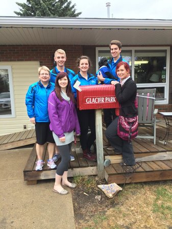 Glacier Park Bed and Breakfast: Debbie and her crew from Tourism Saskatoon. Thanks for stopping by.