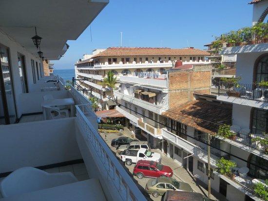 Los Arcos Suites: Looking toward the Playa Los Arcos