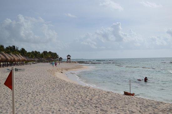 El Dorado Royale, by Karisma: the beach