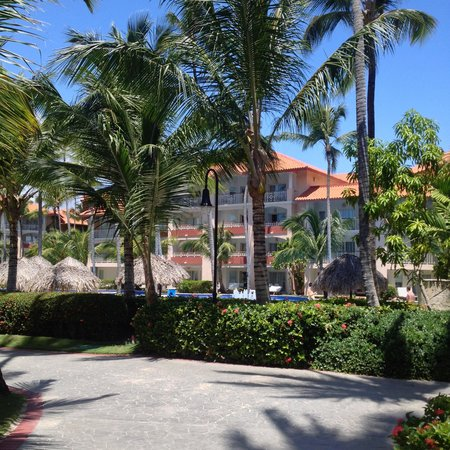 Majestic Elegance Punta Cana: Rooms by pool area