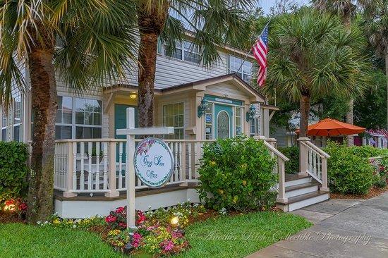 The Cozy Inn: Main Office