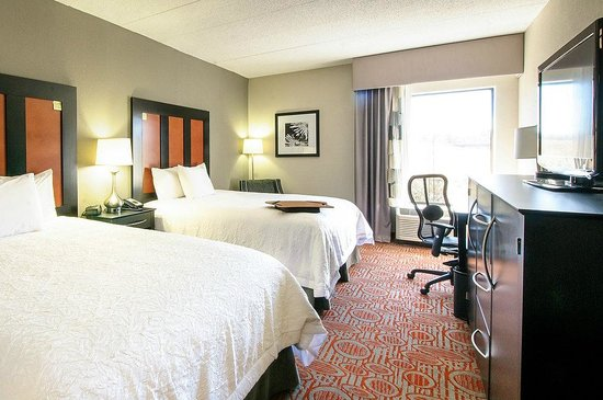 Hampton Inn Stafford/Quantico & Conference Center: 2 STANDARD QUEEN BEDS