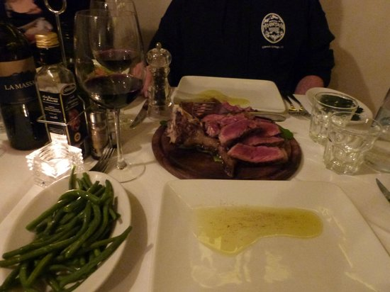 B&B Tourist House Ghiberti: Be sure to have a QUALITY  Bisteca Fiorentina while in Florence