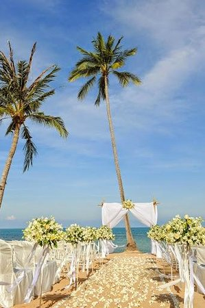 Nora Buri Resort & Spa: wedding set up at Nora Beach resort
