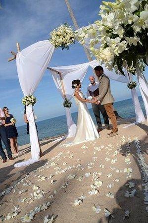 Nora Buri Resort & Spa: wedding set up at Nora Beach resort