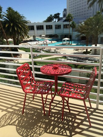 Tropicana Las Vegas - A DoubleTree by Hilton Hotel : Patio