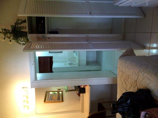 Beachcombers Hotel: Standard double room