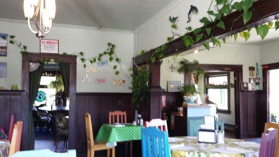 Kendra's Kitchen: Inside