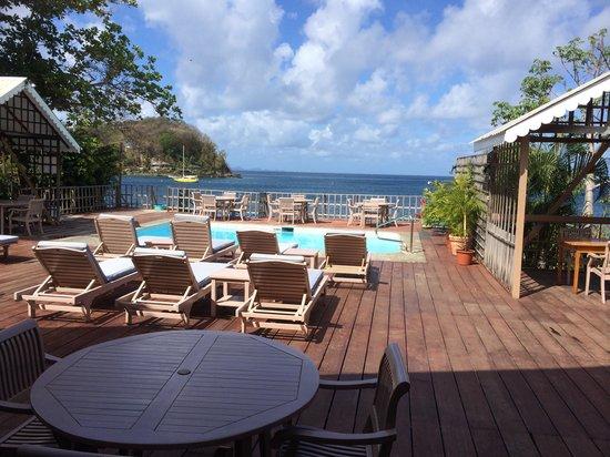 Beachcombers Hotel: View at breakfast