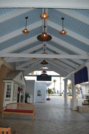 Ocean Reef Club: Hotel grounds