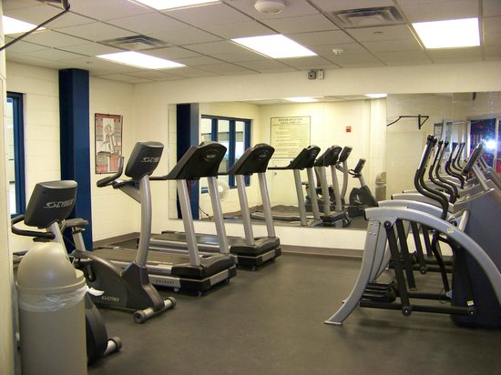Depuy Townhouses : Small exercise room