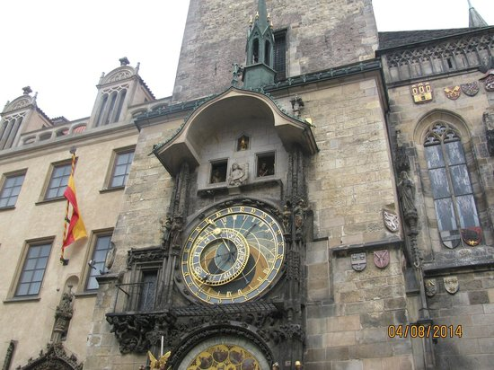 Old Town Hall and Astronomical Clock : relógio astronomico