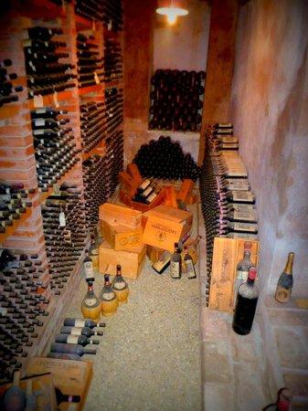 Castello di Verrazzano: Wine Tour / Cellar