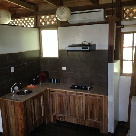 Lizard King Hotel Resort: Kitchen in Suite