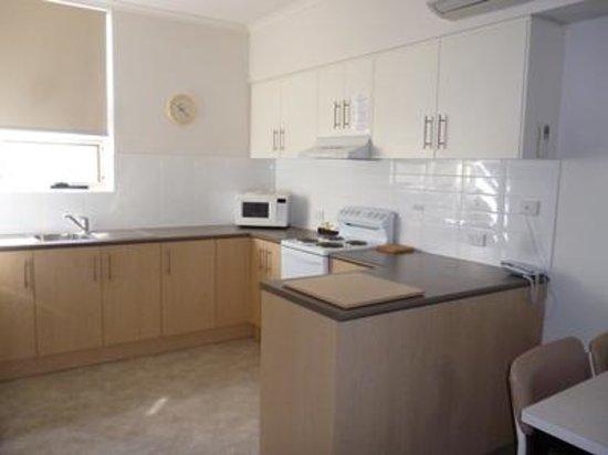 Corfu Holiday Units: Kitchen