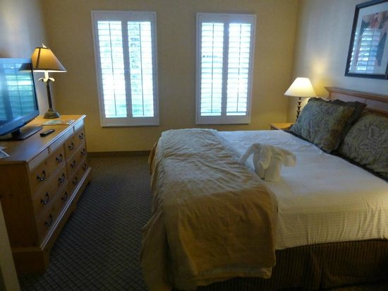 Pacifica Suites Santa Barbara: Bedroom