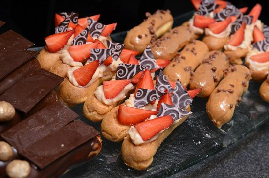 The Spice Market Cafe : Chocolate, Strawberry and Caramel Eclairs