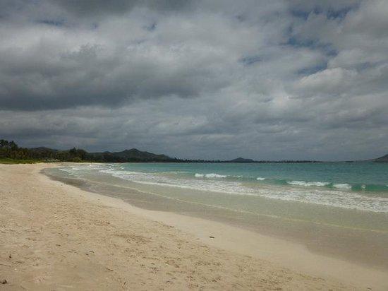 Kailua Beach Park : 曇りでしたが・・・。