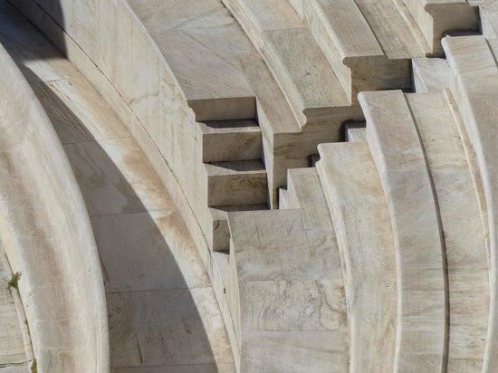 Herod Atticus Odeon: Gradas restauradas