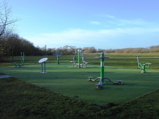 Hinchingbrooke Country Park: Fitness Center