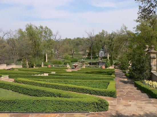 Philbrook Museum of Art: lovely garden