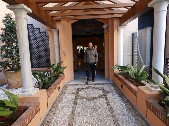 Saray Hotel: entrada