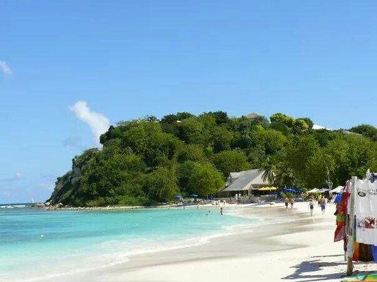 Pineapple Beach Club Antigua: Beach front